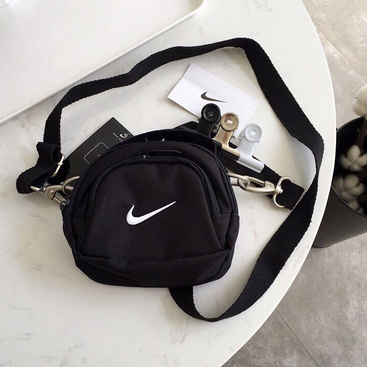 05b7f8f343ab Mini Swoosh Shoulder Bag