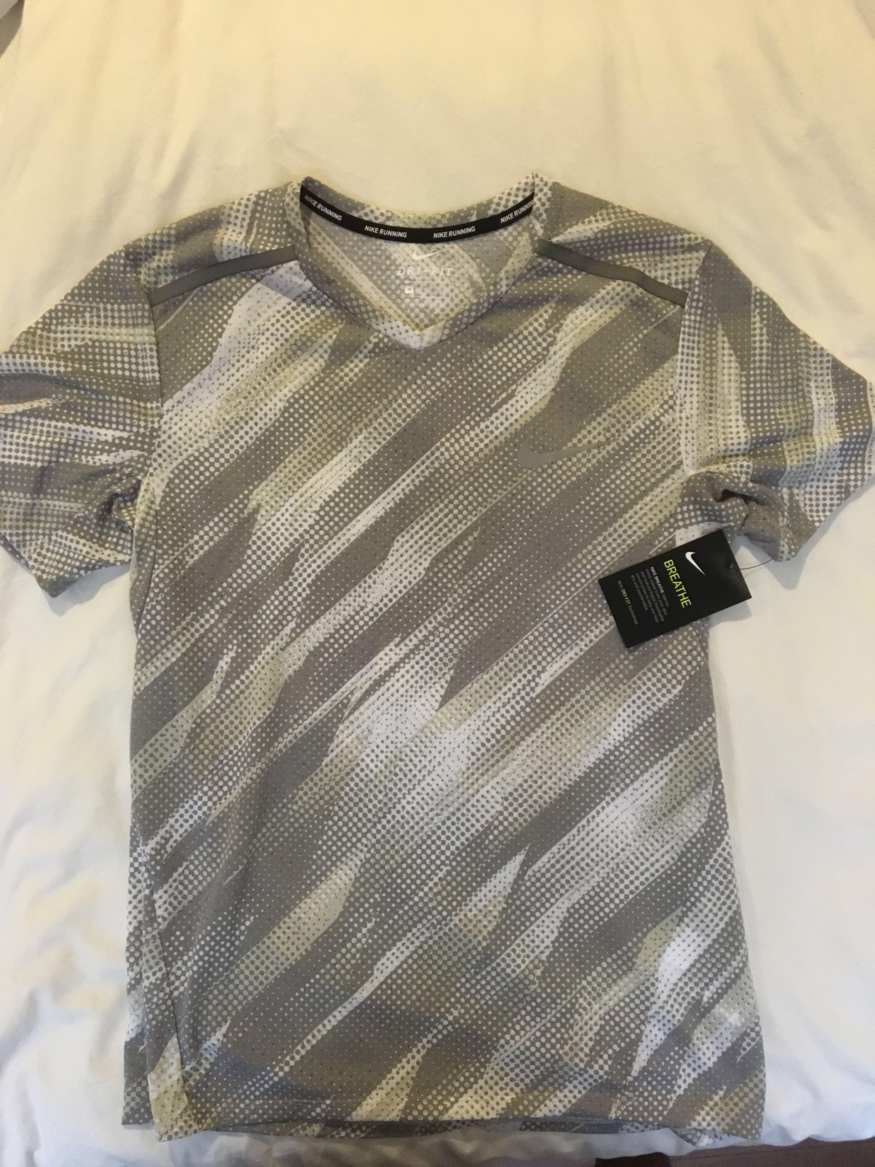 c16ba4f8 Nike Breathe DriFit Running Shirt, Sports, Sports Apparel on Carousell