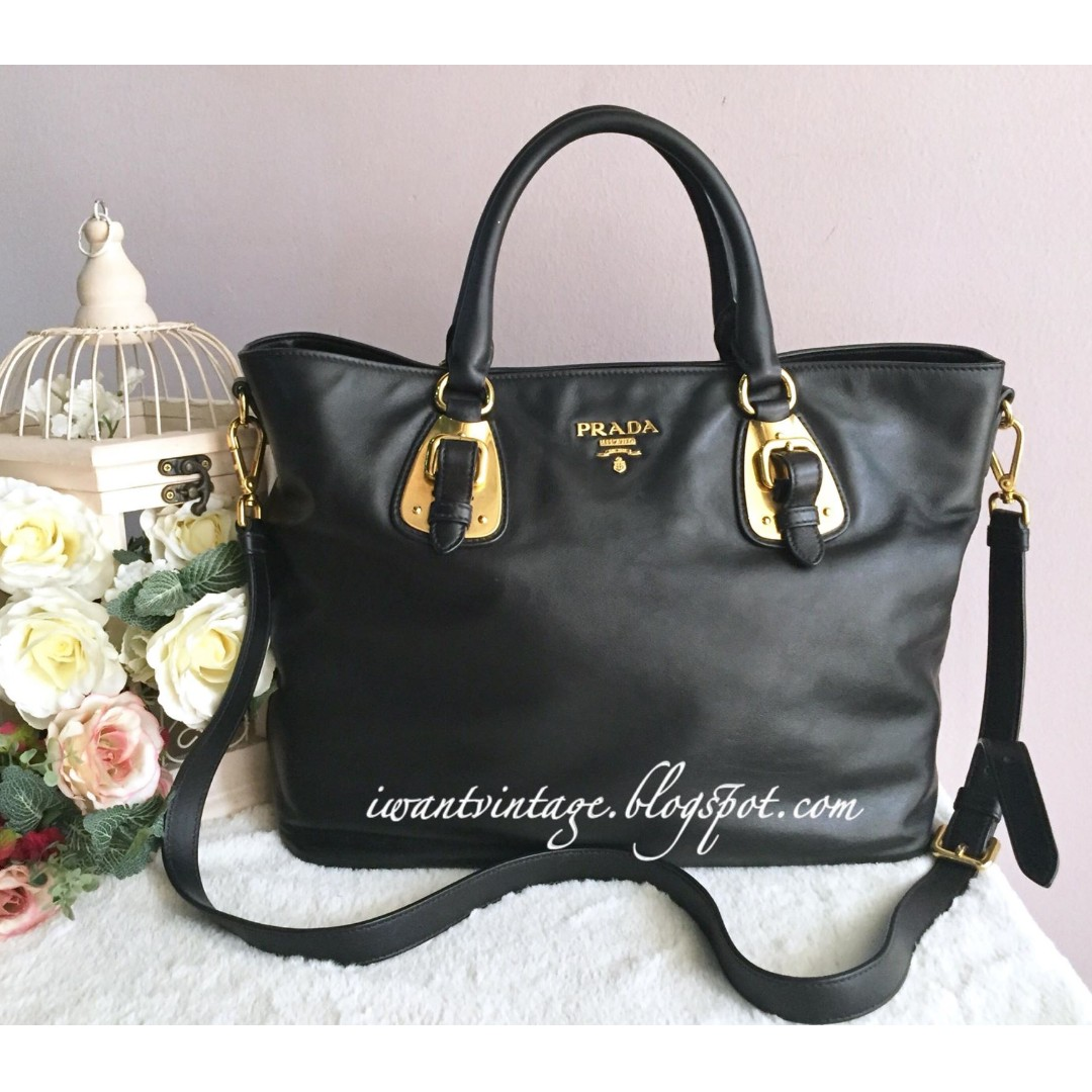 f0b89a4c8a771f Prada BN1902 Soft Calf Leather Bag-Black, Women's Fashion, Bags & Wallets  on Carousell