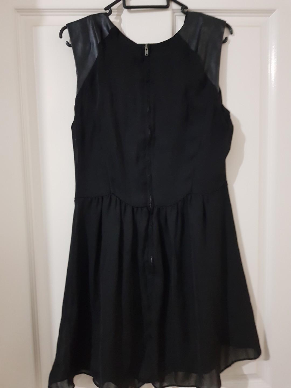 Size 10 Sportsgirl dress