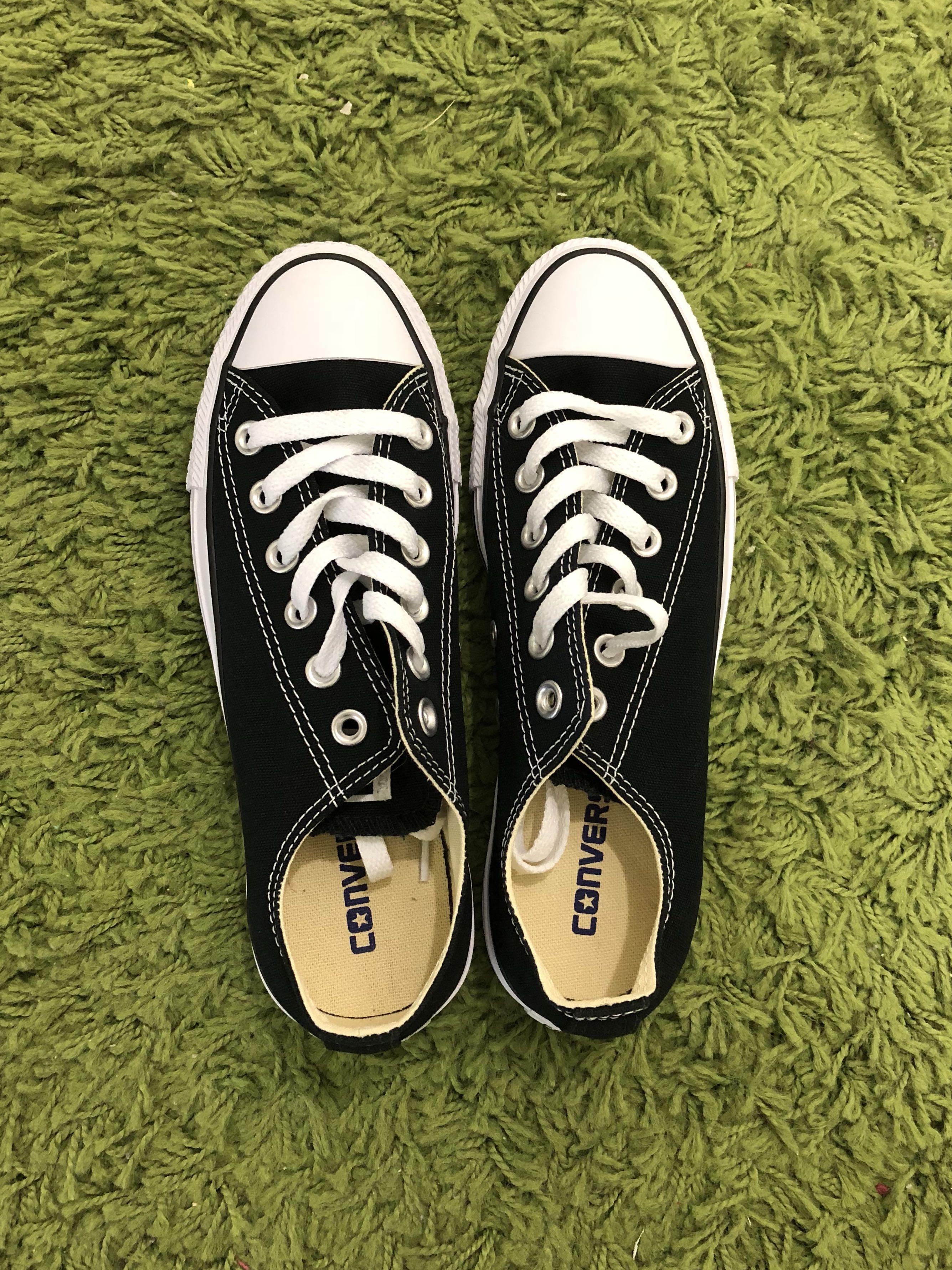 Women's Converse- Size 7