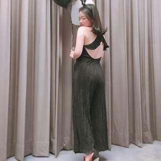 🚚 H&M 性感大露背質感連身褲