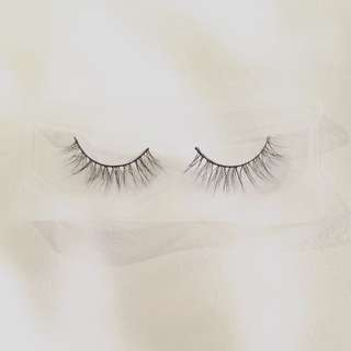 NM01 - Mink Lashes (Very Natural Look)