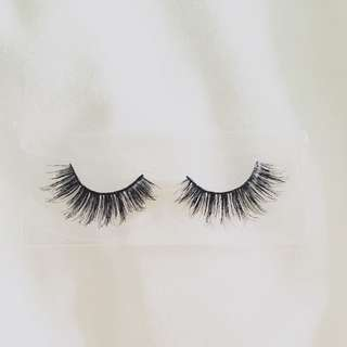 NP04 - Premium Hair Lashes (Sexy Look)