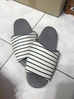🚚 二手 女生室內拖鞋 舒適