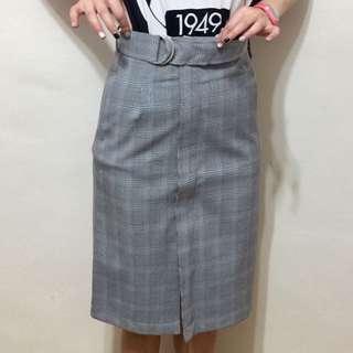🚚 韓版,全新,必買顯瘦高腰側拉鍊不車邊格紋窄裙,S