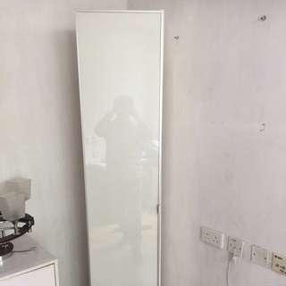 搬屋清-玻璃面櫃 9成新 (梨木樹自取)