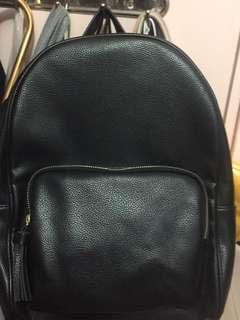 黑色皮背包背囊