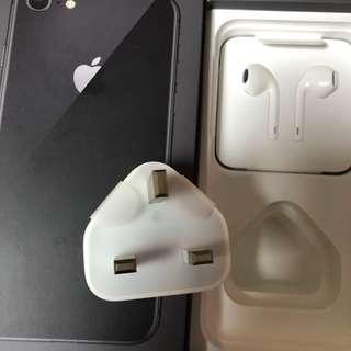 【跟機配件】iPhone 全新配件 未過保養 假一賠千 電源轉換器、連接線、EarPods