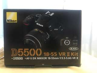 BNIB- NIKON D5500 18-55mm VR II Kit + 55-300mm lenses bundled