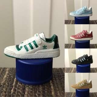 *RARE* Adidas sneaker figure collectible set