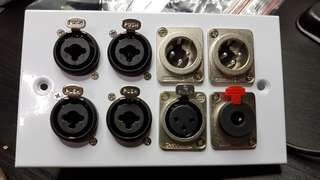 "Combo connector - XLR + 1/4"""