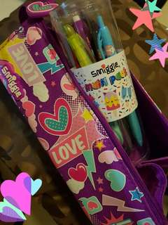 SMIGGLE Boxy Pencil Case w/ MultiPack Pens