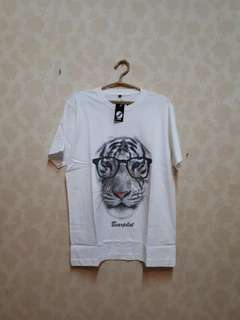 T-shirt cowok bagus & murah