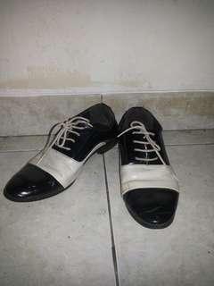 #mausupreme Sepatu Replica Michael Jackson Semi Kulit Impor (Re-sale)