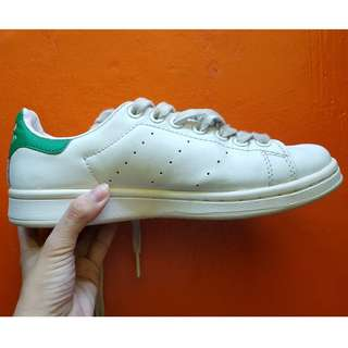 Preloved Adidas Stan Smith Size 5.5