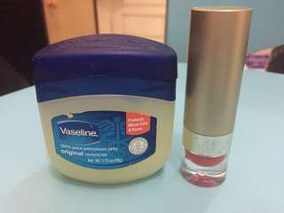 Vaseline dan Lipstick Sari Ayu