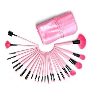 24 pcs. Makeup Brushes