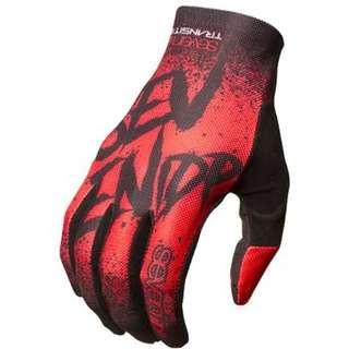 7idp glove