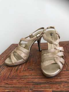 Obral fioni by payless sepatu heels pesta murmer size 40 41 murah promo diskon lebaran flash sale discount