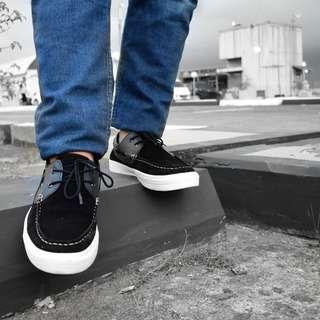 Lebaran sepatunya baru dong
