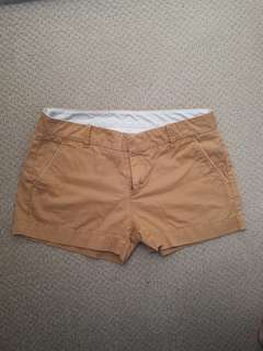UNIQLO Sand Khaki Shorts