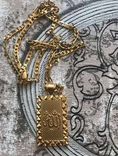 Gold necklace with a pendant