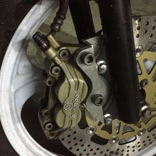 Lc 135 custom bracket brembo