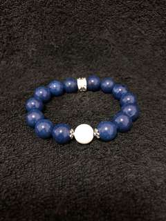 Blue Agate Stone Bracelet with White Shell beads (蓝玛瑙石.白贝壳手链)