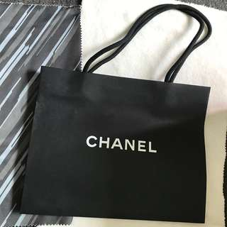 可換可買兩個Chanel 紙袋,手挽上肩,環保 paper bag