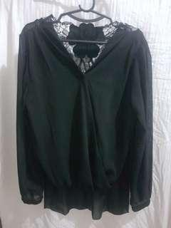 Longsleeves black blouse