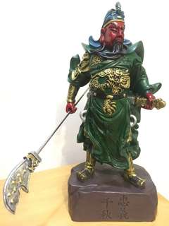 Wood coloured Guan Yu/guan gong statue (木雕成的关公/关帝爷) come with original box