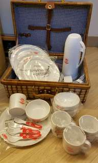 非賣品麵包超人限定藤籃膠碗,碟,杯,义,匙各4件 (保温壺已售)