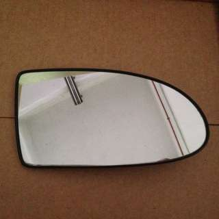 Hyundai Accent side mirror glass RH