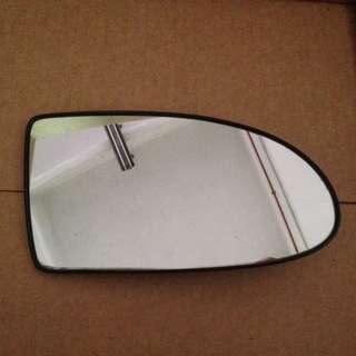 Hyundai Accent side mirror glass RH