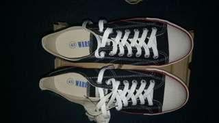 Sepatu warrior size 43