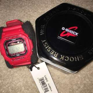 Red g shock watch unisex