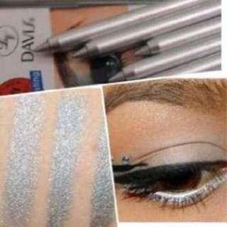 Davis pencil eyeliner
