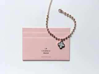 Brand New Clover Bead Bracelet - Double Sides (Black & Pearl White)