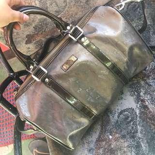 BUY 1 TAKE 1 SALE Authentic Gucci and Authentic Alviero Martini Bag