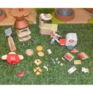 SYLVANIAN FAMILIES PIZZA DELIVERY SET (WYSIWYG)
