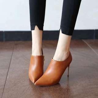 🚚 全新韓版焦糖細根踝靴38號