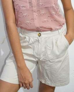 Basic Off-white Shorts
