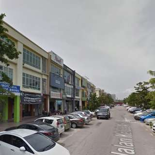 Office On 1st Floor In Seksyen 7, Shah Alam, Facing main Road, Spacious, 25'x80'