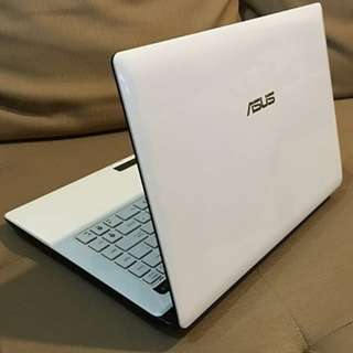 Asus A43SD core i3 white laptop