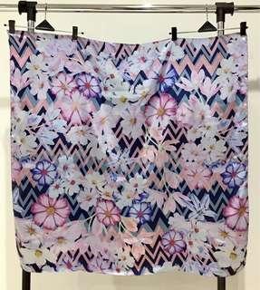 Scarf / hijab persegi - wavy flower