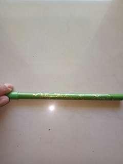 Mukka eyeliner pensil hijau