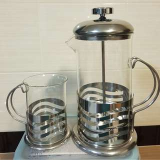 French Press Coffee/Tea Maker + 4 Cups