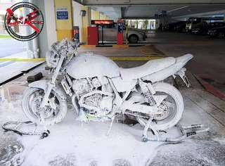 Bike Wash / Bike Grooming / Professional Detailing / Honda Super 4 Spec II