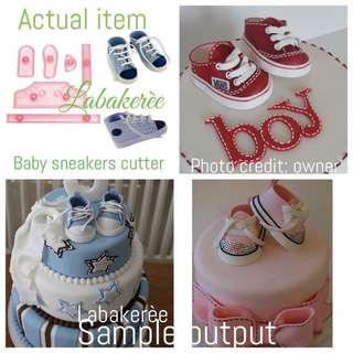 Baby sneakers fondant cutter